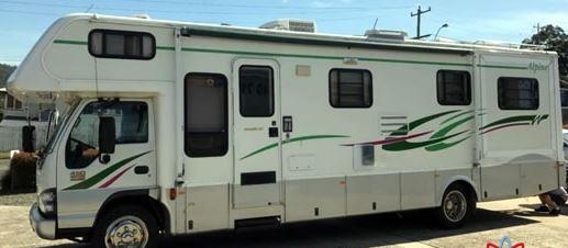 ALPINE WINNEBAGO 3035SL ISUZU NPR 450 LONG One owner, One driver, meticulously maintained through...