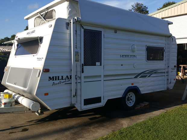 MILLARD HORIZON 4.8 MT POP-TOP 2003 