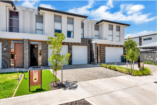 "Open Sun 12.00-12.45pm ""Wow"" as new townhouse.