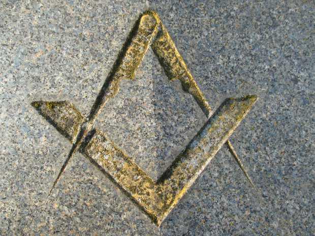 JOHNSTON. _ Ronald William. The Brethren of Melbourne St. Clair Reunion Lodge No.17 morn the pa...