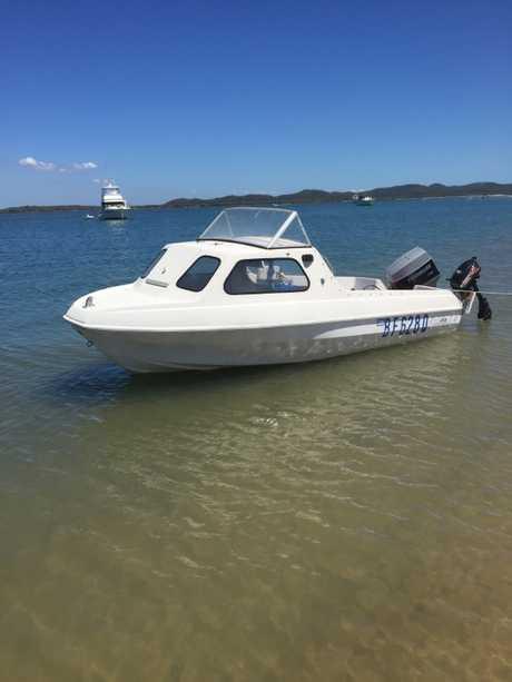 <ul> <li> 14 foot 6 inch half cabin</li> <li> new marine battery</li> <li> trim...</li></ul>