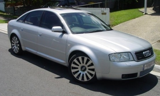4.2L V8 AWD 2003 model, low k's, Electric Sunroof,   Brand New Low Profile 18 Tyres...