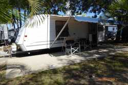 1 owner, roll-out awning, large club lounge, plenty storage space, 4 burner gas cook top, griller, S...