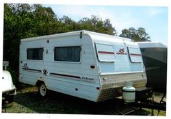 Alloy Frame, 2 singles caravan, rear kitchen, 3way fridge, 2 way sink taps, gas hotplates, near n...