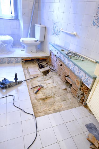 BATHROOM RENO. Complete bathroom & kitchen reno. No job too small. Prof & reliable, all w...
