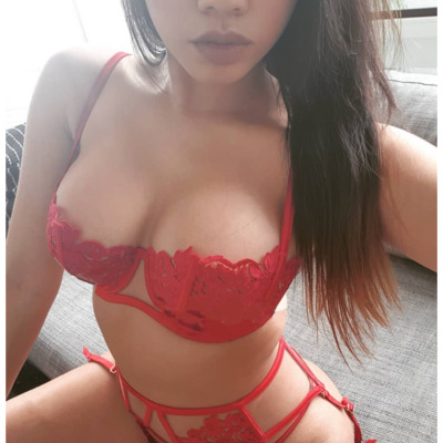 Sweet  Bubbly  Sensual  Toys  Naughty  In/outcalls