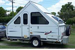 <p> 2006 AVAN CRUISER. Two single beds, 3 way fridge, dual gas botttles, gas cook-top & sink, 600...