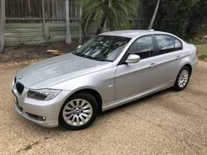 <p>BMW 320i 2009</p><p>Executive use in city and undercover parked, 82,600 kms, one owner, service...</p>