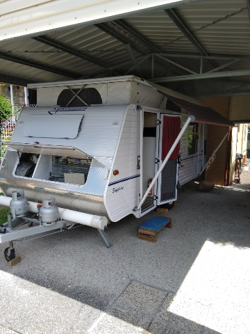 GOLDSTREAM SAPPHIRE 17.6 POPTOP 2003