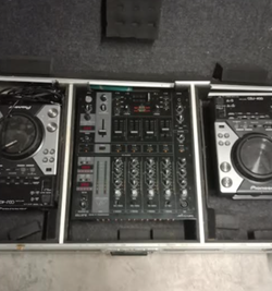 DJ equipment for sale04672010642x Dj CDj 4001 Berhinger mixer 750 Knob has fallen off but easy to fi...