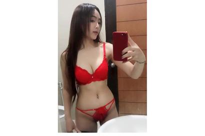 Attractive Singaporean 21yo,  sexy,  pretty,  friendly,  hot.