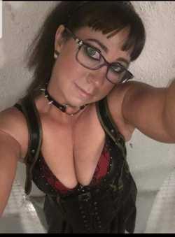 AUSSIE GERMAN EMILY   Multi Talented Massages Wicked Wrestling Wild Naughty Fun   CBD  ...