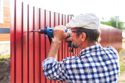 SAMSON FENCING All fencing types, fully insured. Friendly Service. Great Prices.