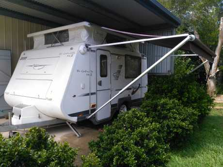 <p> Single beds, front kitchen, Dometic fridge, microwave, gas stove, water tank with pump, hot water...
