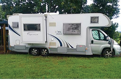 2012 Jayco Optimum Low kms, 6 spd auto, seats & sleeps 4, excell cond, digital TV, sat TV, full...