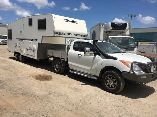 2006 TRUELUX 5TH WHEELER CARAVAN,24FT 2015 Mazda BT-50 Utility, extra cab, 4WD, turbo diesel 31,0...