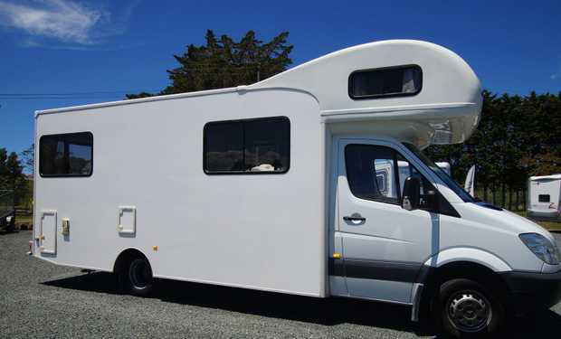 MERCEDES BENZ 2001