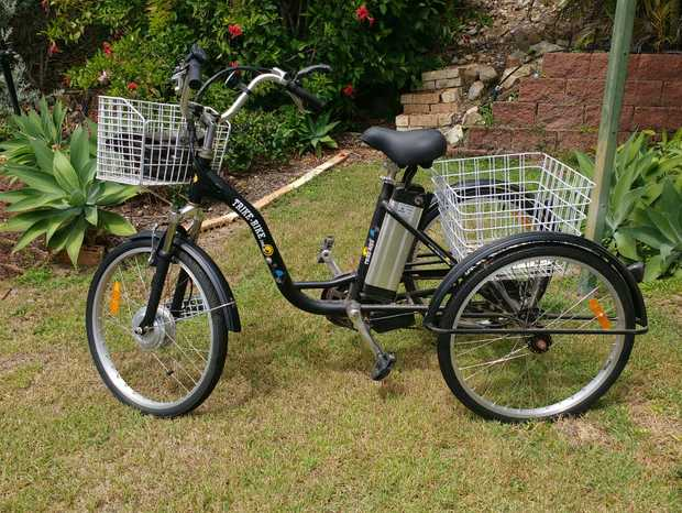 Tricycle with lion battery and 2 baskets. Great for around town and quick trips to the shops. Eco...