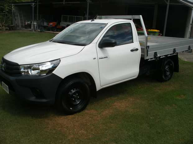 Toyota Hilux as new 10500 klms accessories include blue tooth,reversing camera ,toyota warranty ,towbar...
