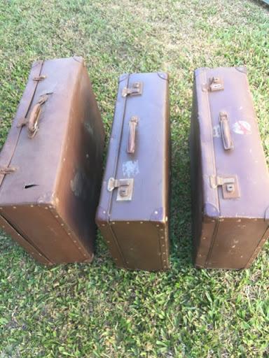 4 large vintage suitcases Fair condition  $10 each