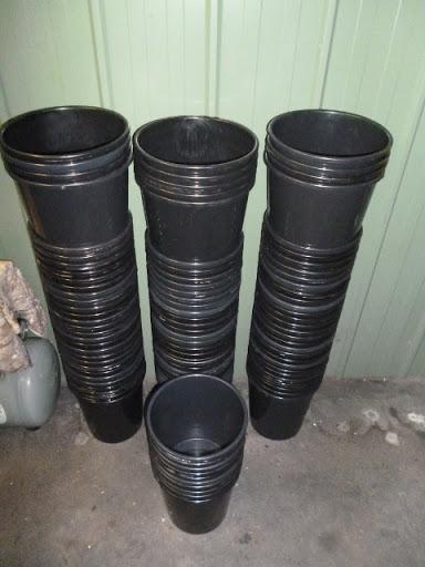 100 only plant pots 90 @ 230mm H x 200mm Dia. & 10 @ 330mm H x 200mm Dia