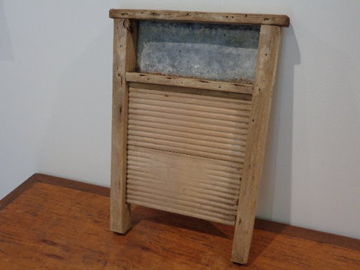 Rustic old Australian wooden washboard. Approx size is 52 x 37 x 5cm. A real must for any vintage...
