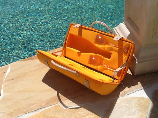 Veuve Clicquot Champagne Traveler wine case Yellow WITH GLASSES