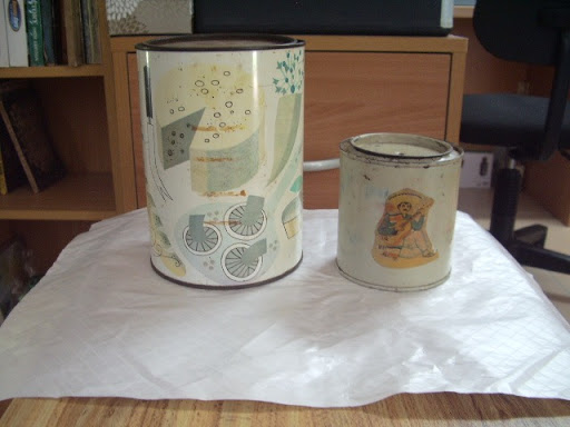 18cmH 13cm diameter plus another smaller tin. Kitchen pic designs. Both for