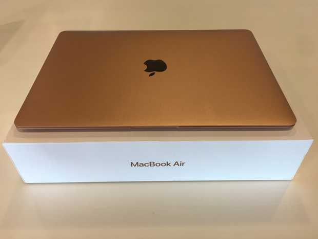 MacBook Air WF 256  ( Gold) purchased December 2018, not required as old one repaired under...