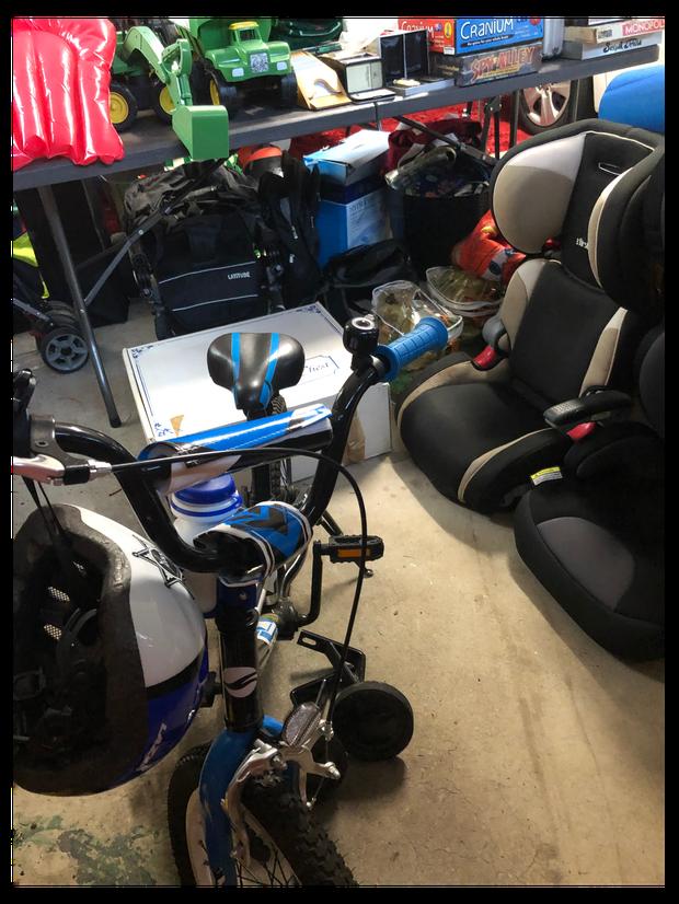 MAKE AN OFFER - CHERRYBROOK GARAGE SALE 17 MARCHHuge garage sale: toys, books, games, sports equipment...
