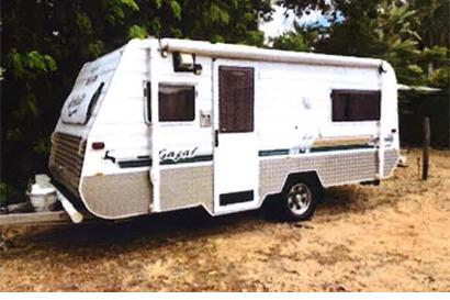 14-15' CARAVAN 2 sngle beds, pantry, 3-way fridge, gas hotplates & grill, m/wave...