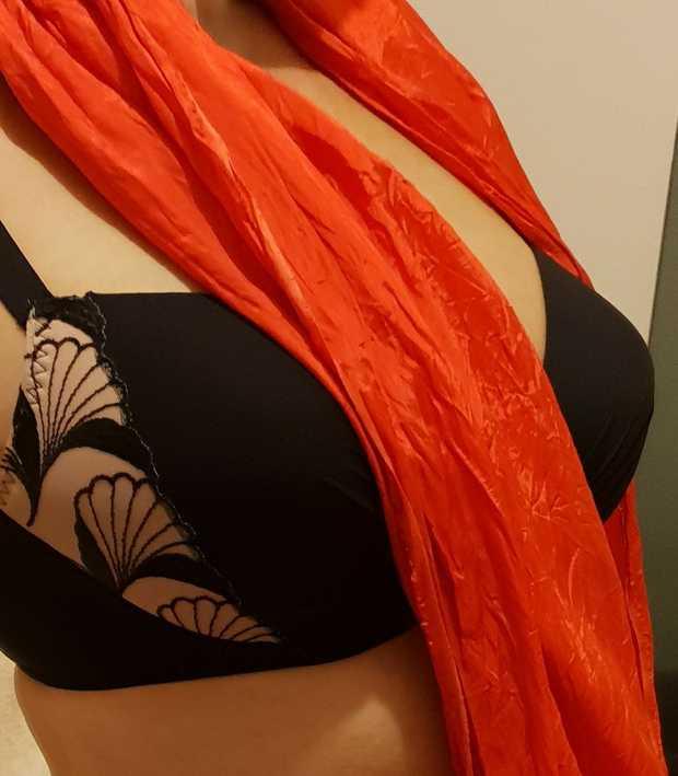 Melina    Sensual Massage     Tall brunette  Athletic  DD.   Plympton...