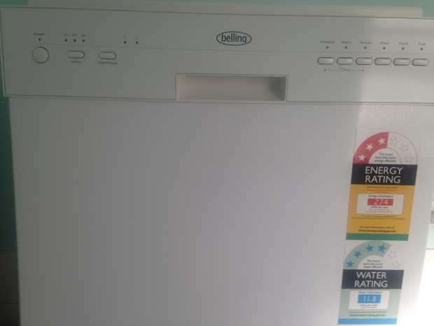 Belling Dishwasher for sale. Near new. Very good condition. With manual book.