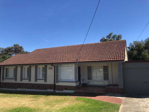 This lovingly renovated home has 3 double bedrooms, bathroom with a full size bath, seperate shower...