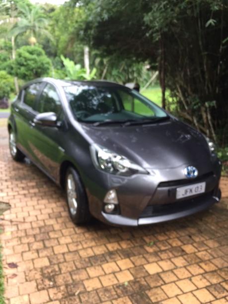 Toyota Prius C AutoHybrid 2014. 4 cyl 1.5L. 65500km, Metallic Grey, Current road worthy, full...