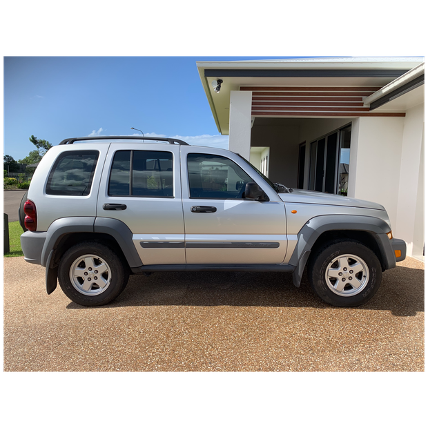 Jeep Cherokee 2006Great condition, 3.7ltr petrol engine, Auto trans. 71,000 kms, rego Jan 2020 Road...