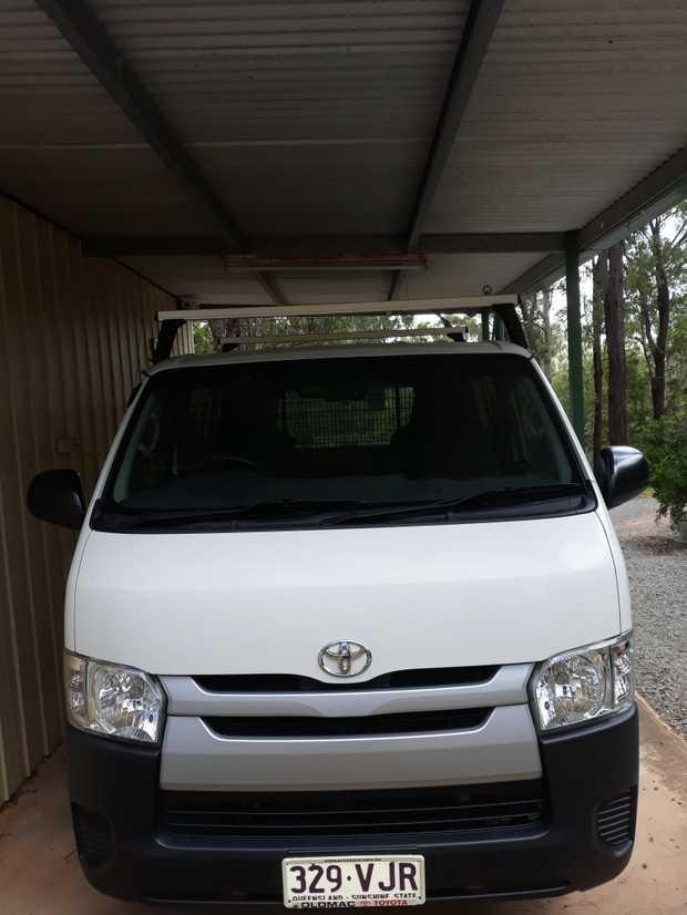 2014, auto, diesel, only 126,000 kms, roof rack, tinted windows, Kenwood stereo, window...