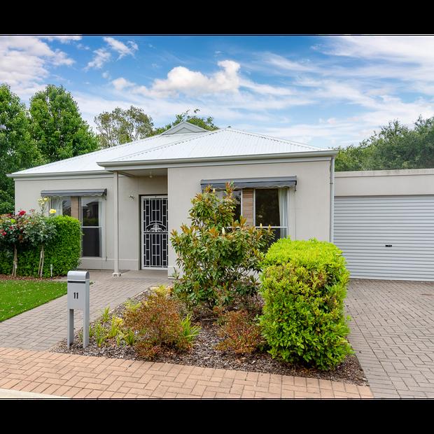 Lewis Fields Retirement Living13/29 Parker Ave, Strathalbyn $299,000 Stylish 3 bdr villa, open plan...