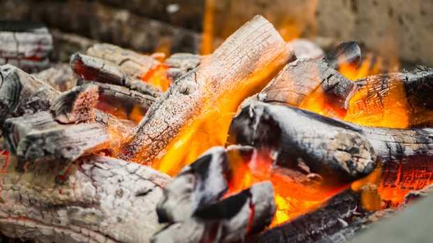 REDGUM FIRE WOOD   Cheap Redgum Firewood   Blocks and Split   Please...