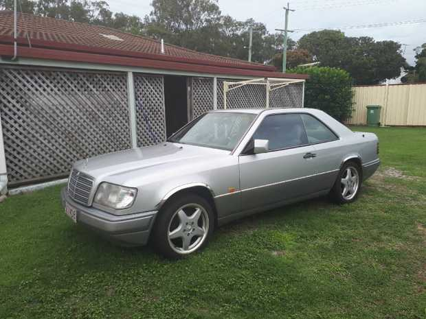 CLASSIC MERCEDES 230 COUPE 1995    In excellent condition, most mechanical parts renewed incl...