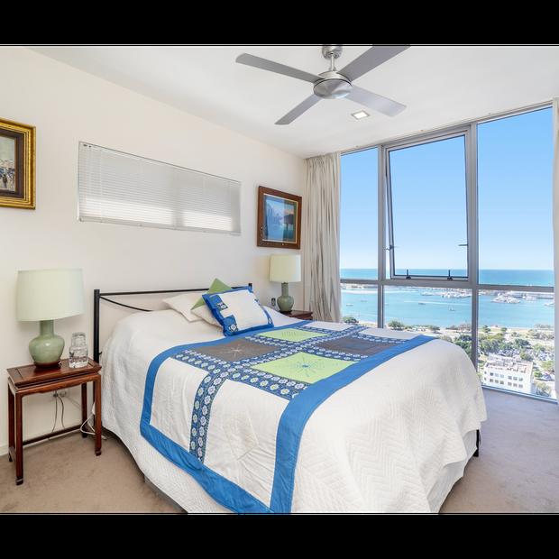 HUGE NE WATER VIEWS3 Bedroom Unit on the 22nd floor. 2 Bedrooms facing East, Main facing North.