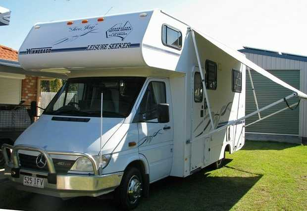 Winnebago Mercedes Benz 413 CDI Sprinter, Built in December 2002, Dual Back Wheels, Diesel, Auto...