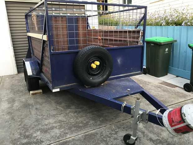 suit farm use, unreg'd, no brakes, caged, steel tray, $1,000 CASH. Lindisfarne