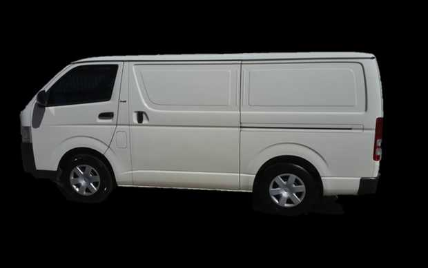 2005 TOYOTA HIACE 