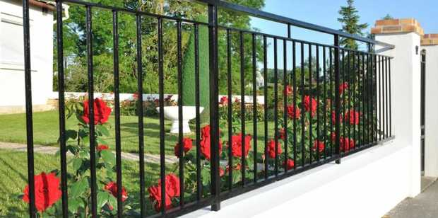 NEED A FENCE We Do it All  Fully Insured Free quotes  JOBS COMPLETED IN 14 DAYS