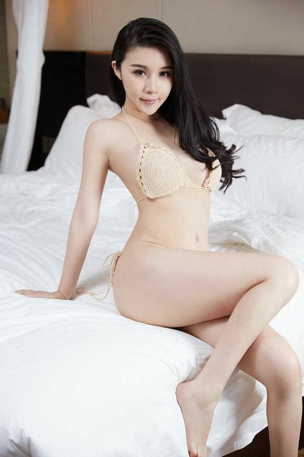 BIKINI BEAUTY
