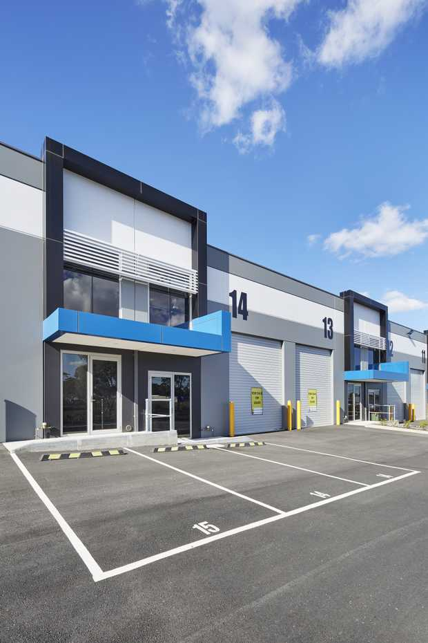 Showrooms, Warehouses & Storage Available for Sale/Lease in South Morang    From $270/week +...