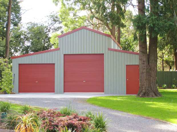 Cooloola, nth of Noosa Park like useable    1.3acs pkgd with new American Barn.    Ideal w/ends, RV...