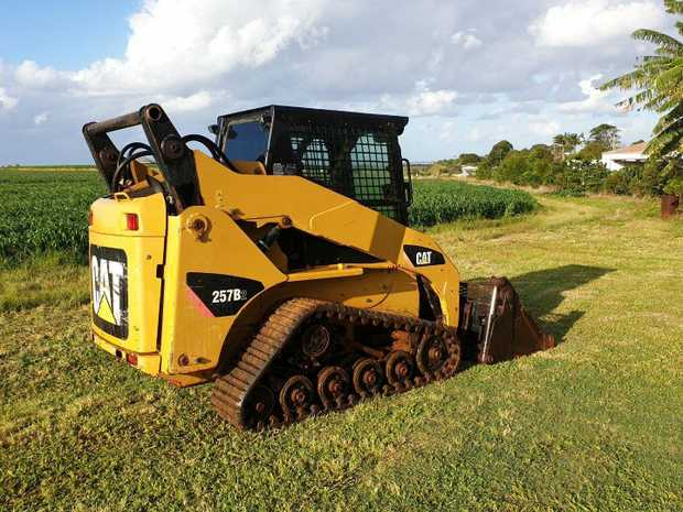 CAT 257B (2) Bobcat for sale 4118km  Brand new Tracks  Multiple attachments Mechanically sound