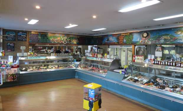 River Murray town - Modern well equipped Butcher shop and smallgoods area with full...